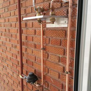 Acometida exterior en una instalación de gas en Madrid. Instalación de red interior o instalación receptora interior en Madrid.